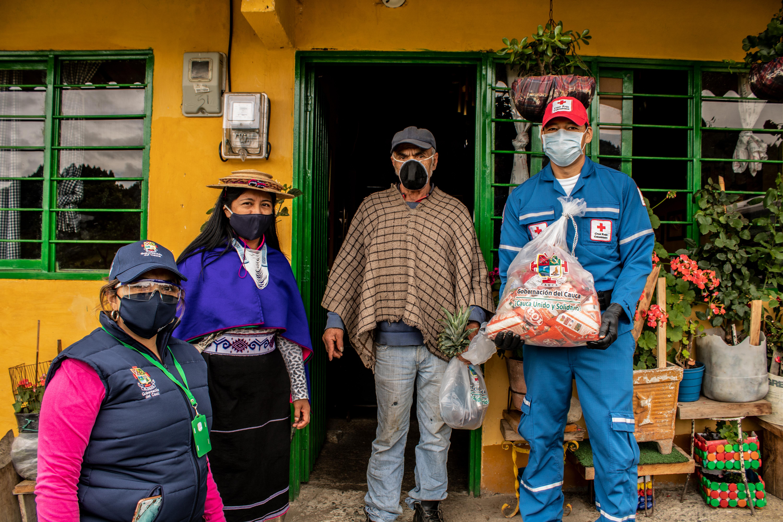 Apoyamos la entrega de mercados en Silvia Cauca
