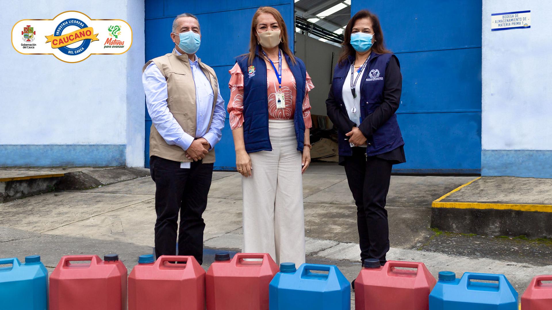 Industria Licorera del Cauca hace entrega de 100 litros de alcohol antiséptico a Delegados Departamentales de la Registraduría