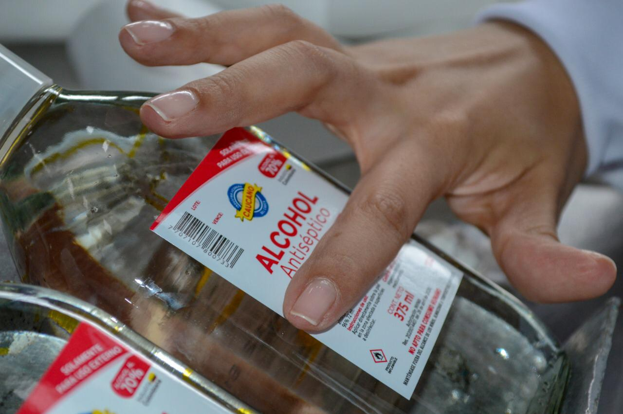 Industria Licorera del Cauca inició producción de alcohol antiséptico